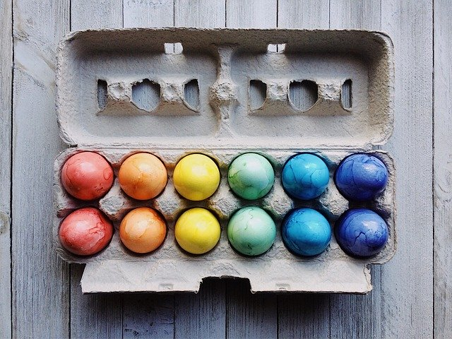 rainbow-coloured-eggs
